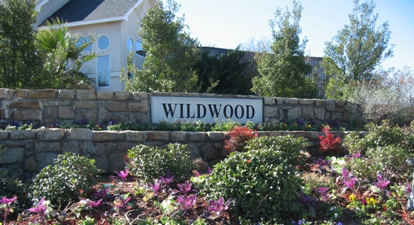 Wildwood at Lake Ridge entry